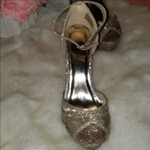High heel shoes color champagned
